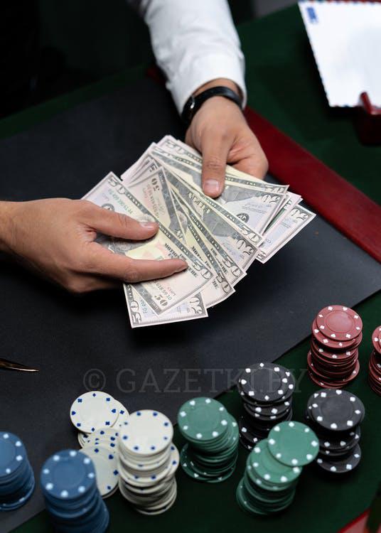 Бесплатное стоковое фото с азартная игра в кости, азартные игры, азартный игрок